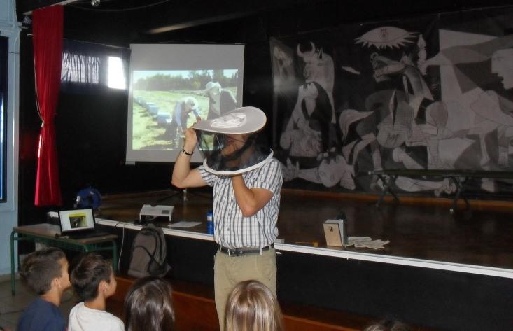 Μάθημα μελισσοκομίας στο Σχολείο