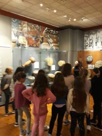 Επίσκεψη της Ε' Τάξης στο Μουσείο Λαϊκών Οργάνων και στη Ρωμαϊκή Αγορά